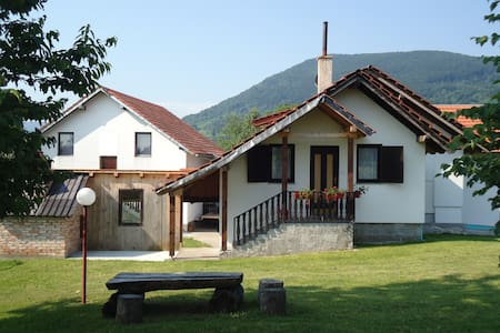 Double Room with Private Bathroom - Plitvička Jezera