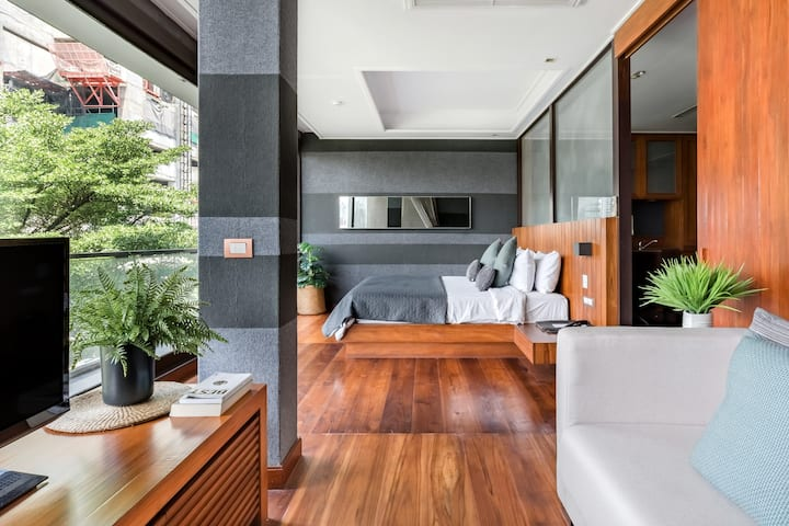 Boutique Suite With Living Area in LUXX XL Langsuan Hotel