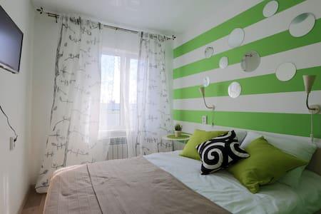 Комната с дизайнерским ремонтом - 乌兰乌德 - 公寓