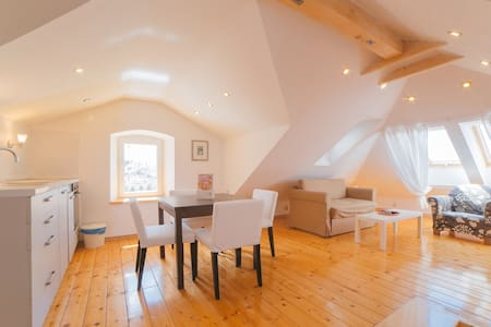 Romantic Apartment in center - Hvar