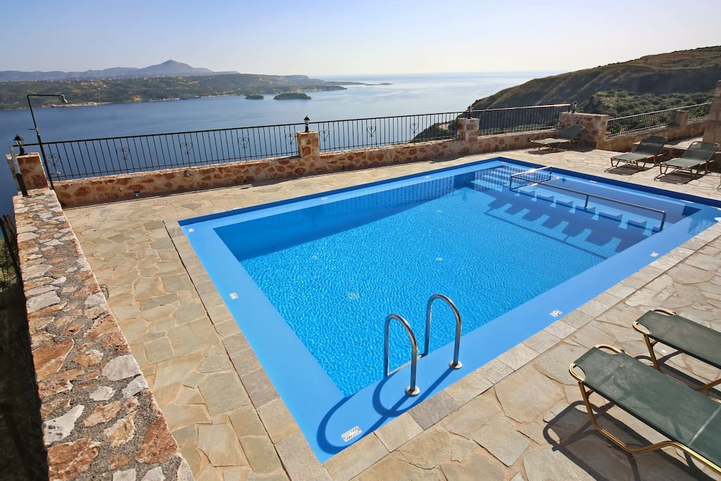 The swimming pool shared with Villa Susanna