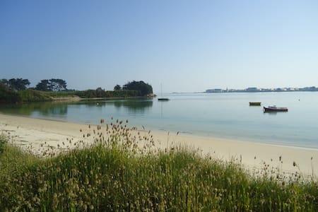 Maison au bord de la plage - Roscoff - 独立屋