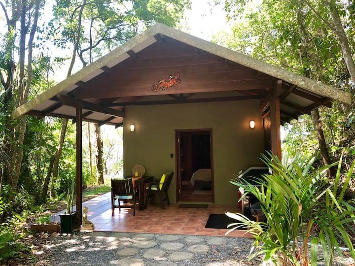 Gunnadoo Holiday Hut with Ocean Views