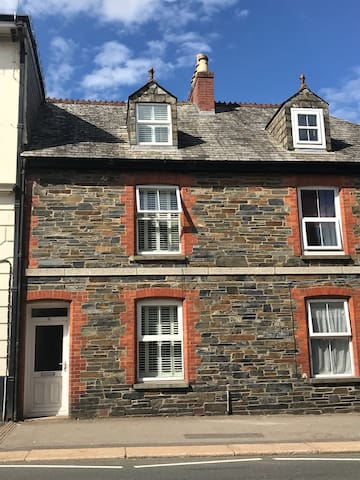 Quirky town house centrally located.