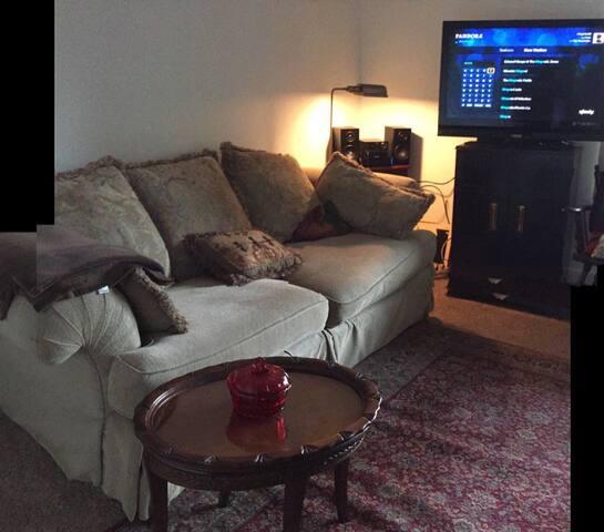 Portland/Multnomah Village 2-bedroom convenience! - Portland - Lägenhet