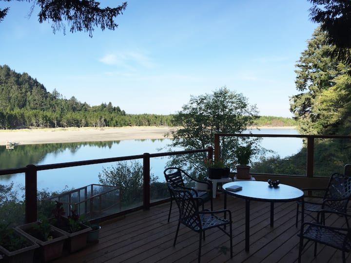 Salmon River Estuary Retreat
