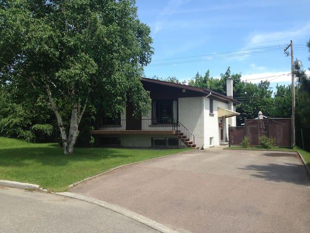 Maison à louer - Saguenay - Huis
