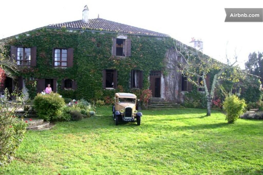 The House / La maison