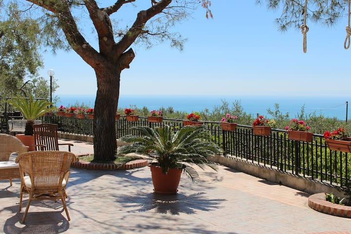 Villa Mon Plaisir | Spring in Gargano - Madonna delle Grazie - Villa