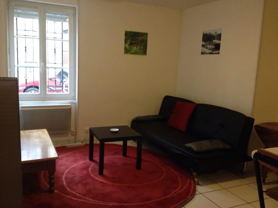 Studio bordeaux avec nvx lit neuf appartements louer for Louer studio a bordeaux