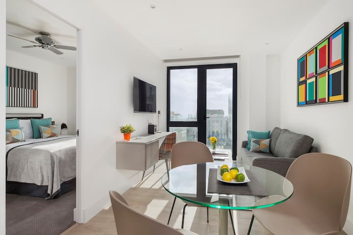 1 Bedroom Suite w/ Sea View & Balcony at Q Square