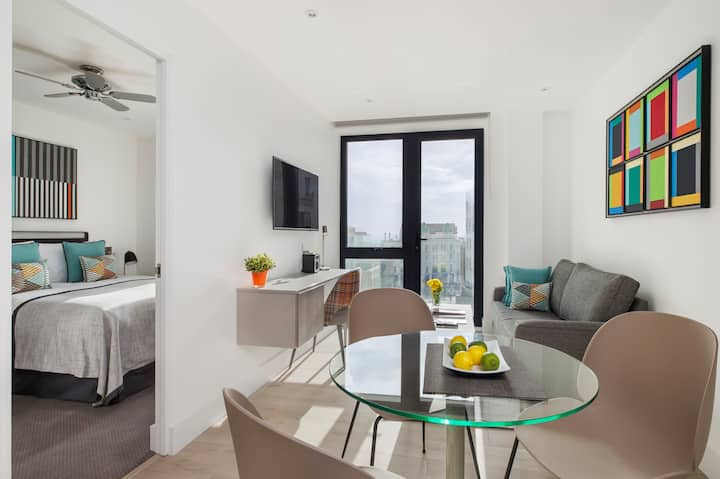 NEW One Bed Apartment with Sea View and Balcony