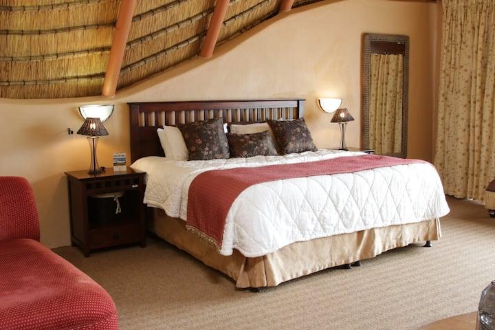 Drakensberg Honeymoon Cottage 33  (with Breakfast)