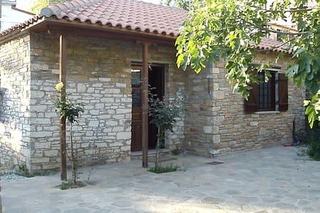 Lafkos Harmony Studio - Lavkos - House