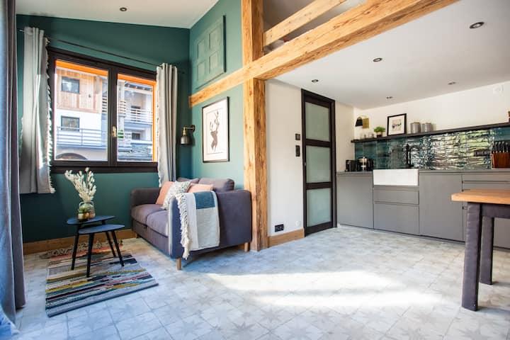 The Cabin @ Cordee - luxury mini chalet!