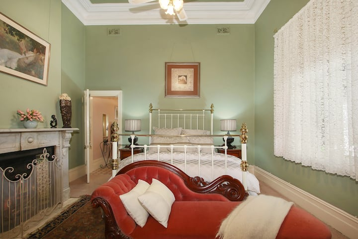 Belmont Bed & Breakfast - Room 1