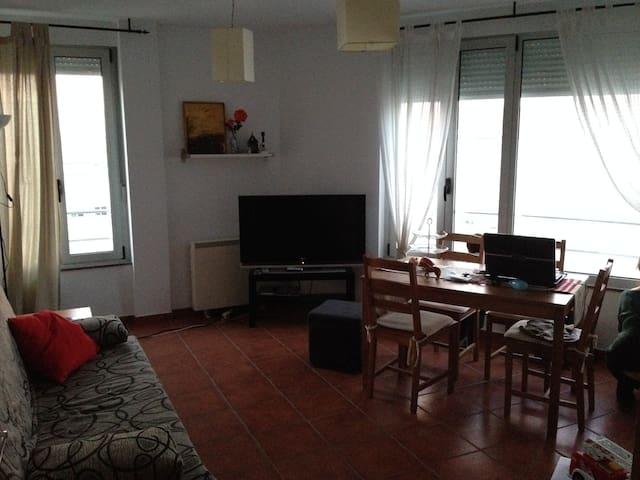 Bright beach apartment + internet - Portosin - Wohnung