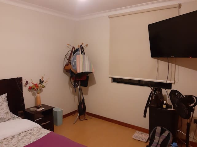 Private Room in a big Apartment with a nice host