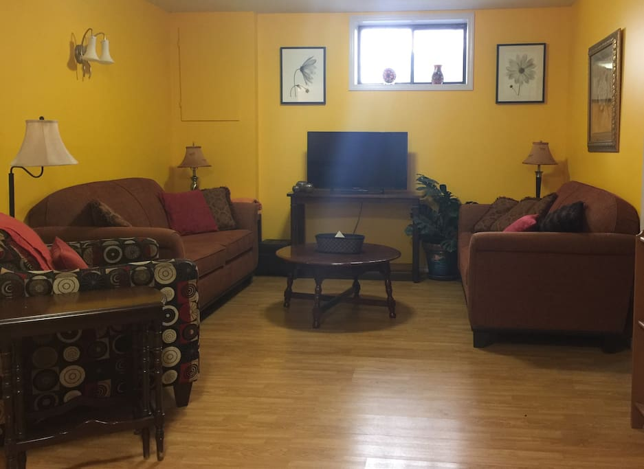 Shared guest sitting area, tv, books & a few games are provided for your enjoyment!