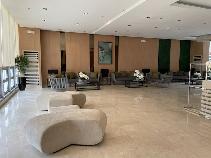Vine Residences Condo for Rent / Lease