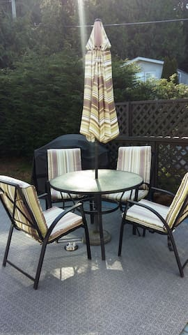 1 Bedroom with full private bath - Saanichton - Haus