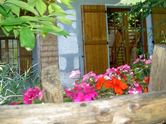 Au calme des alpages grange rénovée - Le Noyer - Casa