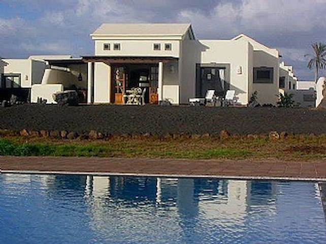 Detached holidayVilla Playa Blanca - Playa blanca - Villa