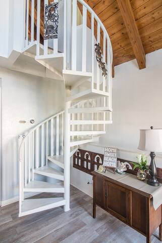 Custom staircase to loft