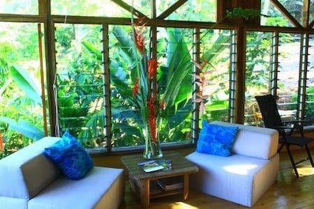Eco-Romantic Guesthouse in FIJI! - Savusavu - House