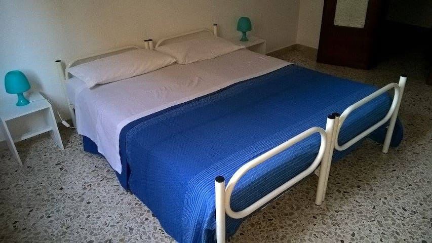 "ROOM TRAPANI  ""D21"""