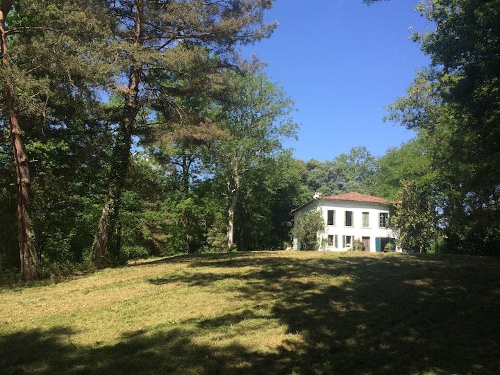 Maison de charme au milieu des bois