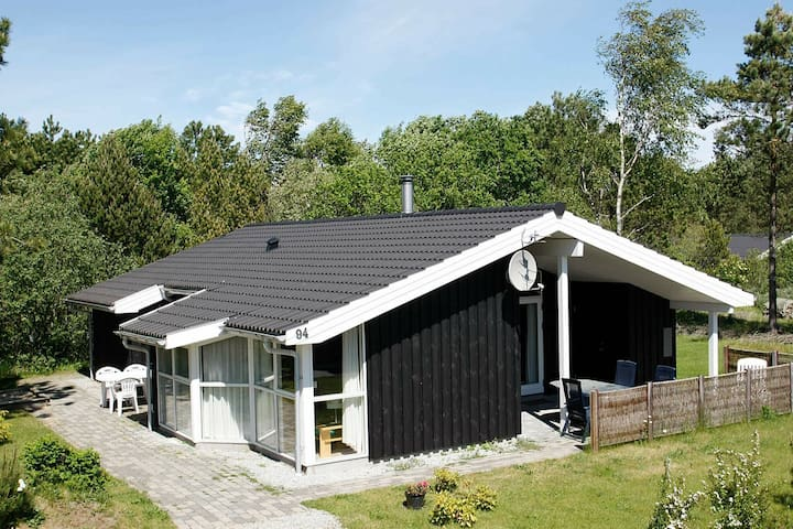 Spacious Holiday Home in Ålbæk with Indoor Whirlpool