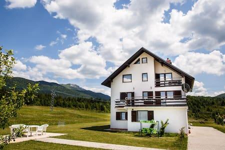 HOUSE PLJEŠEVICA - room JEZERO - Kapela Korenička