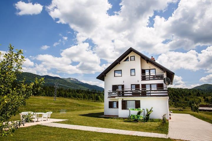 House Plješevica - Room Jezero