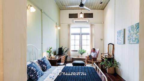 Private apartment (A), short walk to Khosan Rd