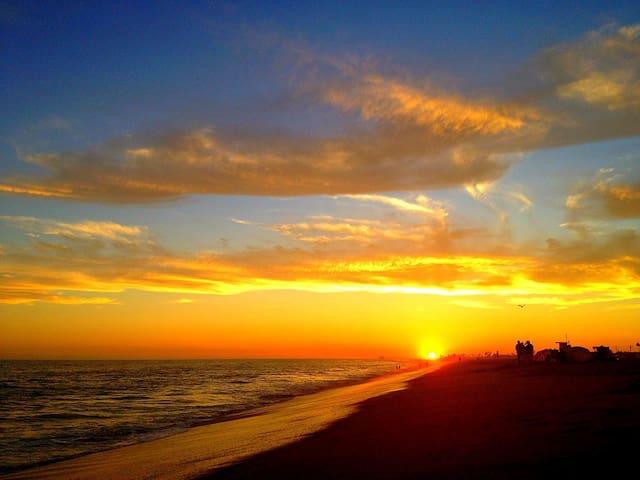 OCEAN FRONT STUDIO PRVT. ENTRANCE ! - Newport Beach - Condominio