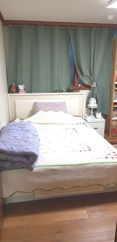 A comfortable space like my room~^^