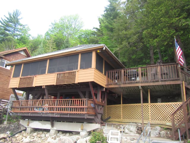 Amazing lake front Summer home. - Schroon Lake - Rumah
