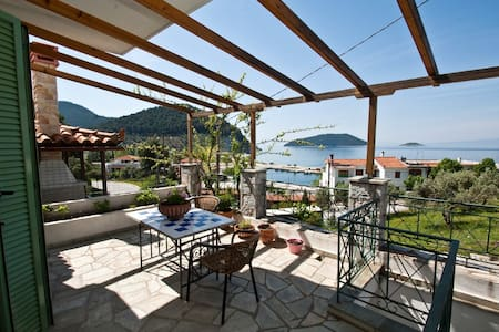 Dia Large Holiday Apartment with Seaview Skopelos