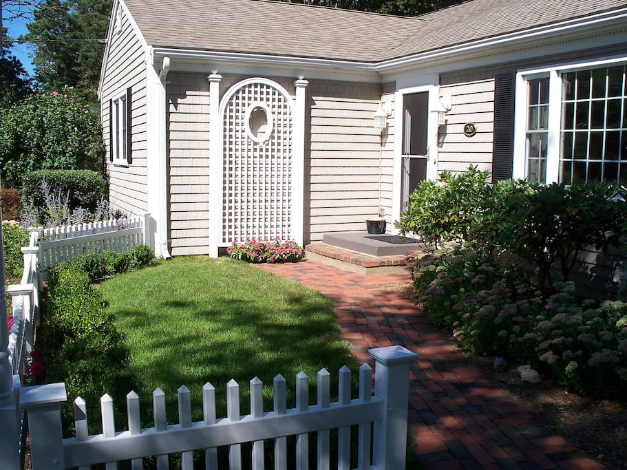 Quaint Surroundings and meticulous landscaping