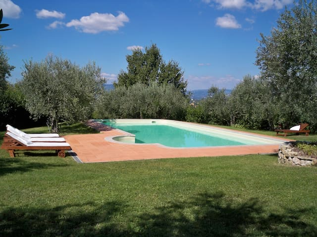 Relax in the Florence hills