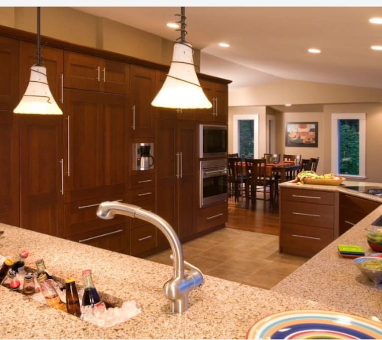 This kitchen is built for entertaining!