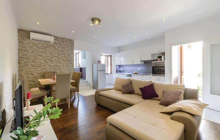 Countryside luxury apartment, Šumet - Šumet - Apartamento