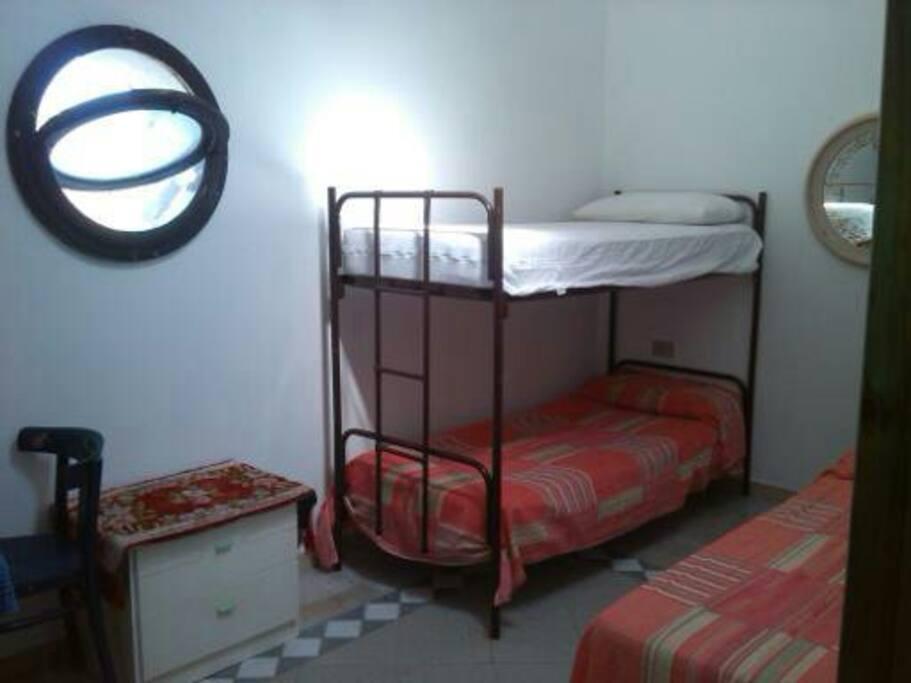 camera da letto per 3 persone