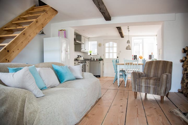 Cosy Beach Cottage 100m from sea - Challaborough - Cabaña
