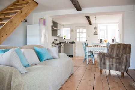 Cosy Beach Cottage 100m from sea - Challaborough - Rumah