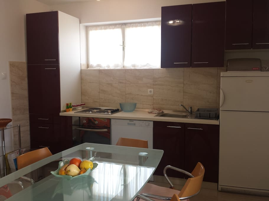 luxe apartment split wohnungen zur miete in split splitsko dalmatinska upanija kroatien. Black Bedroom Furniture Sets. Home Design Ideas