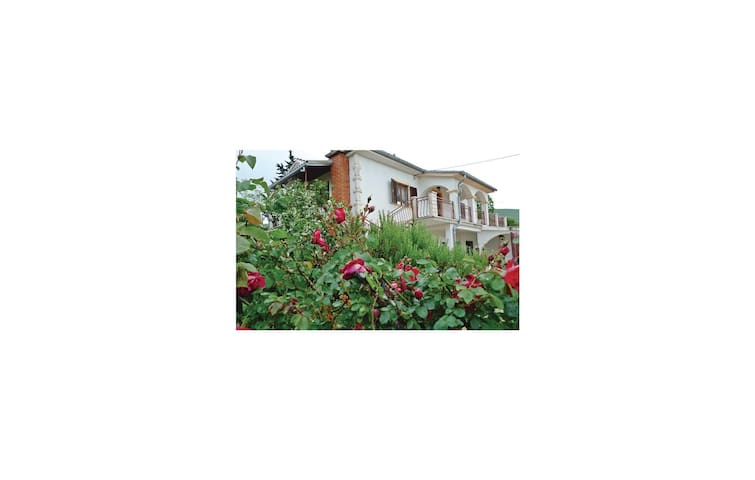 Holiday apartment with 2 bedrooms on 82 m² in Krusevo