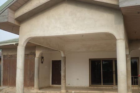 Large Kasoa Family Estate House - Kasoa - Flat