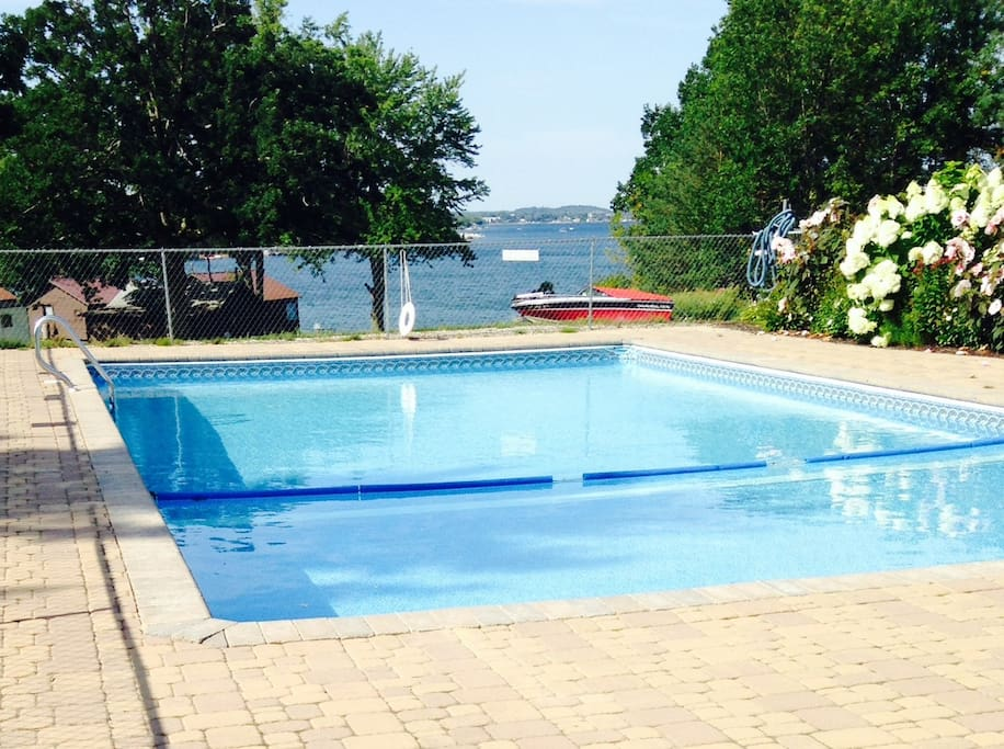Pool w/ view of the St. Lawrence River